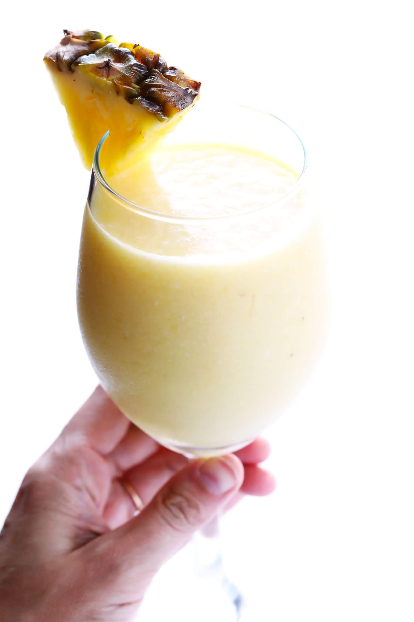 This Tropical Mimosa Smoothie is quick and easy to make, and perfect for brunch! | gimmesomeoven.com
