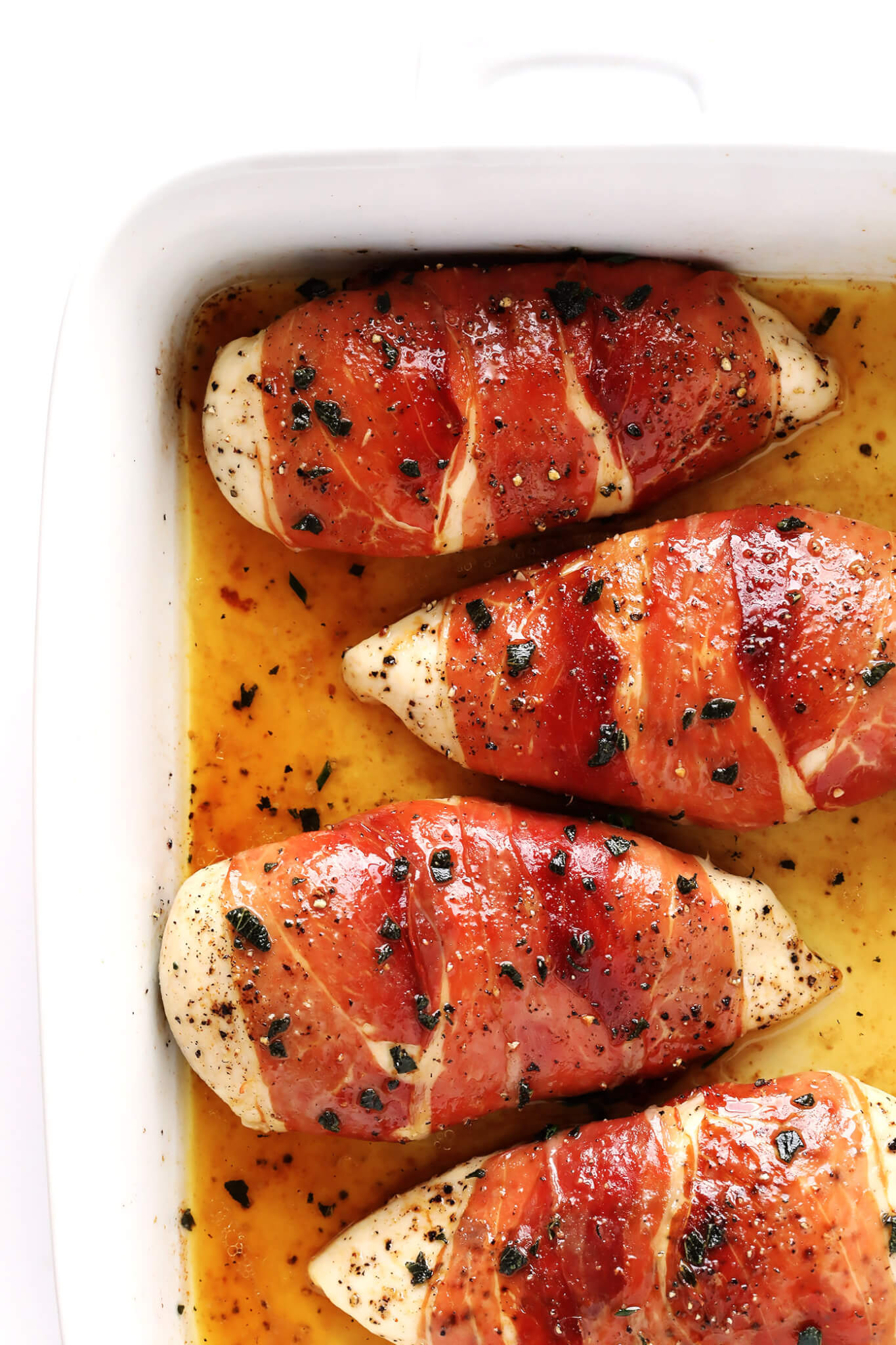 LOVE this Prosciutto-Wrapped Baked Chicken recipe. It's an easier version of traditional Italian Saltimbocca, and tastes absolutely delicious! | gimmesomeoven.com (Gluten-Free)