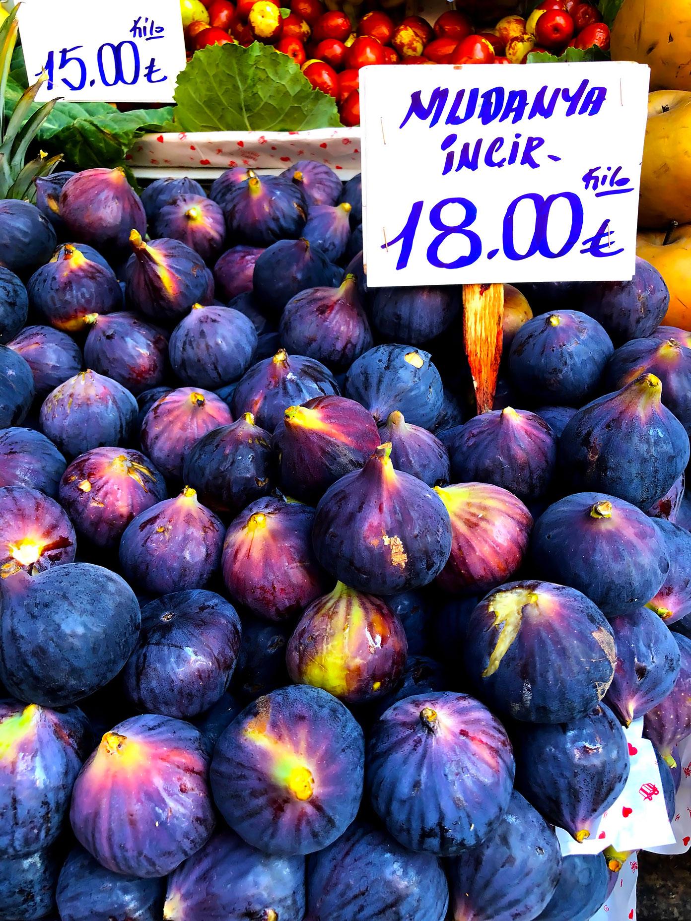 Fresh figs in Istanbul